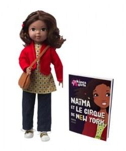 Corolle Kinra Girls Poupée Naïma et son Livre