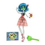 Monster High poupée Ghoulia Yelps tenue plage W9181